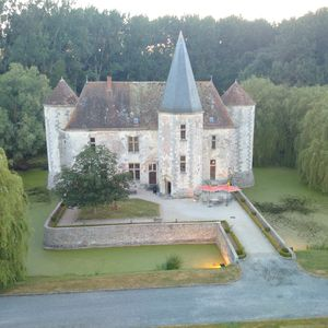 Photo for Castle Boigneville. 5-star apartment for rent at 80 kilometers from Paris.
