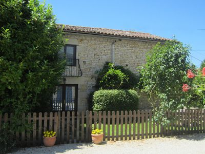Photo for La Buanderie - comfortable 3 bedroom cottage with shared pool