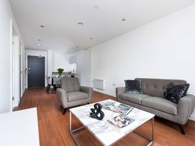 Photo for Contemporary and Stylish 1BR flat