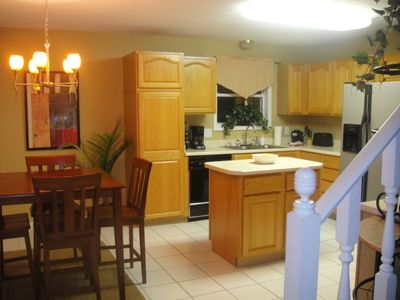 Kitchen with breakfast table!!