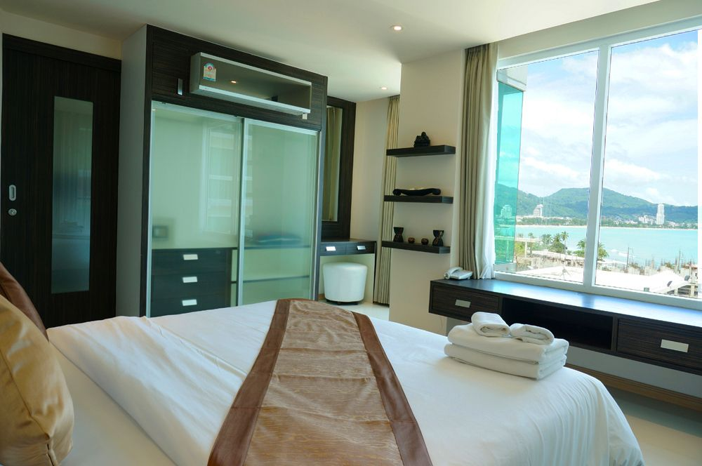 Lovely 2 chambre condo patong bay patong location de for Chambre patong