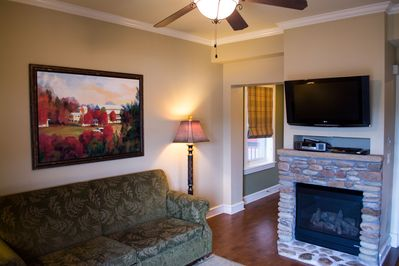 """Unwind &relax in front of the fire place/Smart 40""""TV &&Bose CD player W/blueto"""