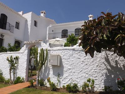 Photo for Lovely villa with terraces, garden, large pool, free Wifi