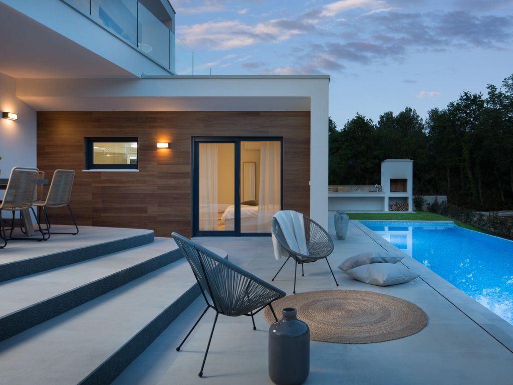 Beautiful Villa Swimming Pool Jacuzzi Bbq Near The Sea Tar Vabriga Istria Rentbyowner