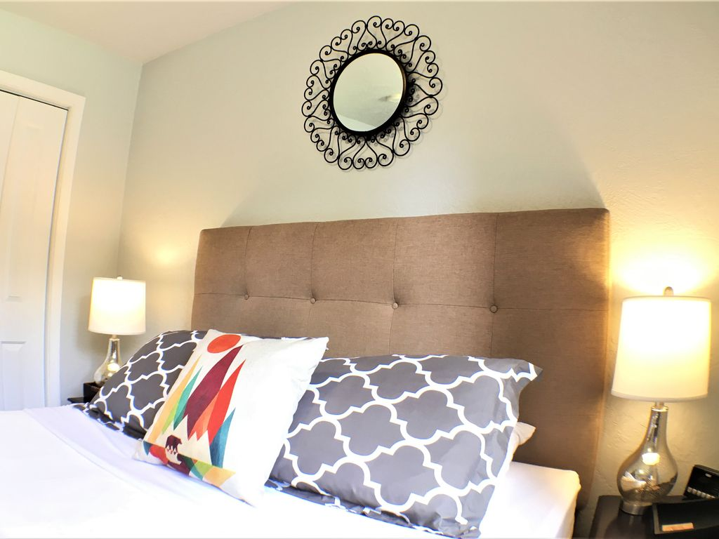 Central TOP-RATED Updated House! Sleeps 6.... - VRBO