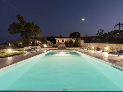 Photo for Villa with pool at 100 meters from the beach, perfect for families with children.