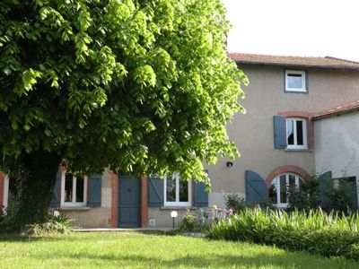 Photo for Gite Montchal, 6 bedrooms, 14 persons