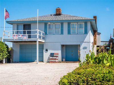 Photo for S.O.B.: 6 BR / 3 BA house in Surf City, Sleeps 13 - oceanfront