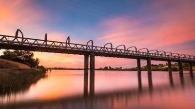 Photo for Riverview cabin Murray Bridge situated on Riverfront road Murray Bridge.