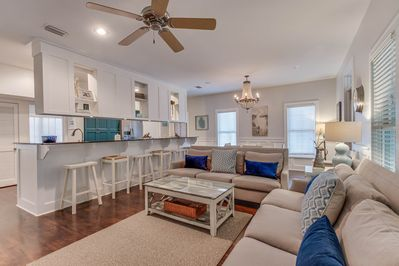 Ample Seating with Open Concept