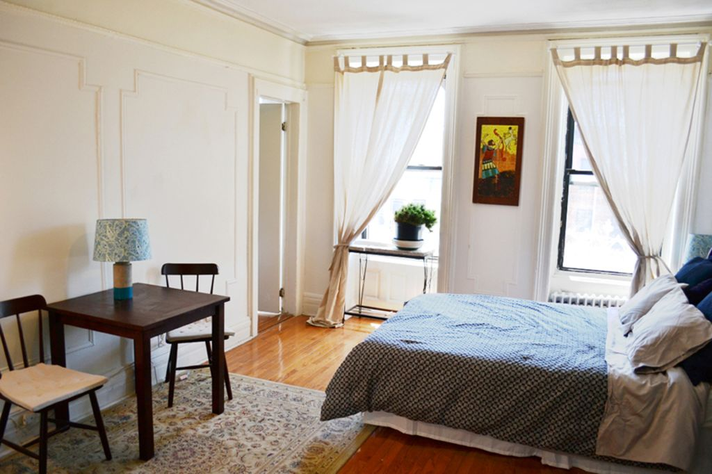 Property Image 2 Large Sunny 2 Bedroom Brownstone Apartment In Charming Brooklyn Neighborhood