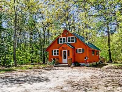 Photo for Cozy 3BR Near Storyland, Shopping & Hiking! Deck, Fire Pit, Cable & Wifi!