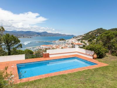 Photo for Wonderful private villa for 16 people with private pool, TV, balcony, pets allowed and parking