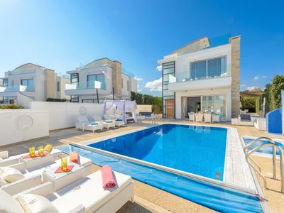Photo for Villa Imperial - A modern built super holiday home