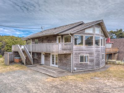 SITKA HOUSE~MCA 1354~This spacious, hot tub house is just steps to the beach.