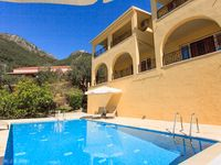 It is a beautiful villa with a lot of space, 4 large bedrooms each with their own bath room, a ta...