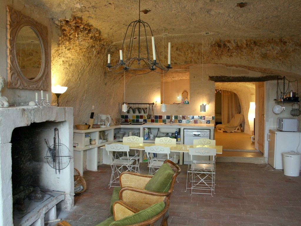 Les roches neuves troglodyte house in lavardin 39 one of for Chambre de charme dordogne