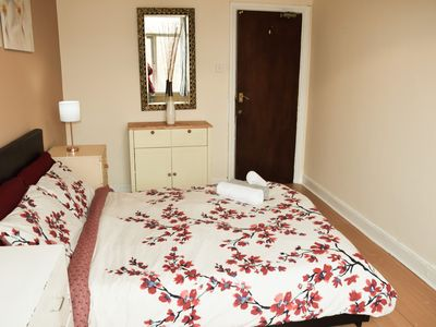 Photo for Cosy apartment 10 mins walking from Broad Street