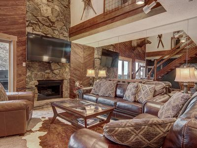Photo for Perfect Dog Friendly Ski in/out Condo For Big Groups. CM416S