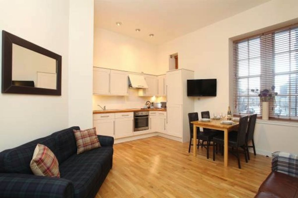 Beautiful Apartment In Converted 19th Century Schoolhouse City Centre