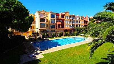 Photo for Beautiful apartment in Ampuriabrava. 1st line of the beach, downtown. Quiet