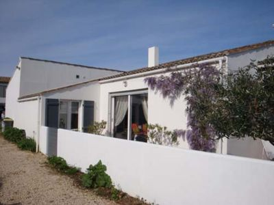 Photo for Charming house in the center of Ars en Ré