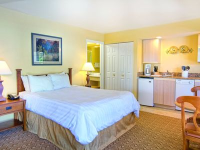 Photo for Exquisite Club Wyndham Branson at the Falls, 1 Bedroom Condo, Take a Stroll at Branson's Sundry Restaurants