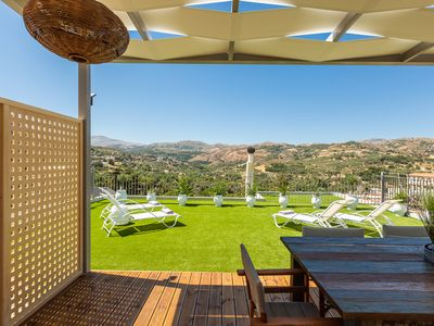 Photo for Stefanakos House - roof terrace with stunning views, shops&tavernas 2 steps away