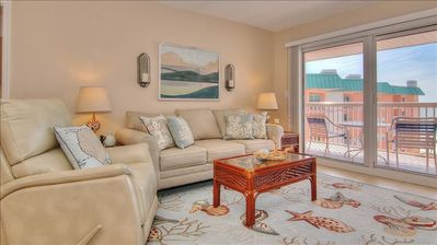 BC2503: Find all the Comforts of Home at Seaside Sanctuary