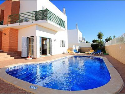 Photo for 4 Bedroom Villa with pool in Albufeira, walking distance to the Strip