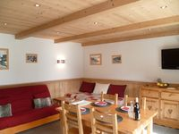 Well presented chalet, with everything you need, in a perfect location with excellent access to ski