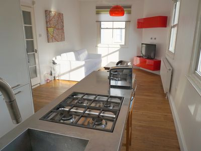 Photo for Beautiful 3 beds central London apartment, next to Clapham North tube!