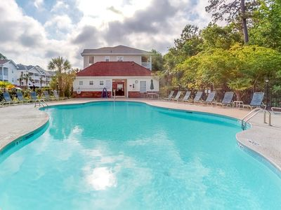 Photo for Spacious condo w/ shared pool! Golf on-site and free WiFi!