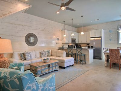 Photo for Sea of Tranquility: *FREE Golf Cart, Comm. Pool, Close to Beach, Sleeps 10