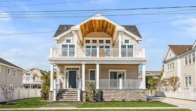 Photo for Luxury South End Stone Harbor Home (118th st) 6 bedrooms & 5.5 baths with Pool