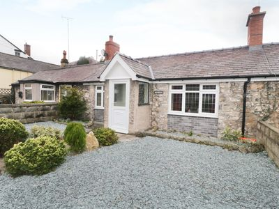 Photo for RIVERLEA, pet friendly, with open fire in Dyserth, Ref 973414