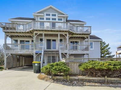 Photo for Fantastic ocean views! Pool, Hot Tub, Pets, Pool Table. 300 ft to beach access!