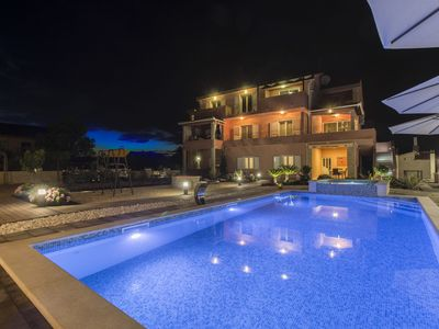 Photo for Beautifull villa-apartment with private pool, jacuzzi, charming covered terrace