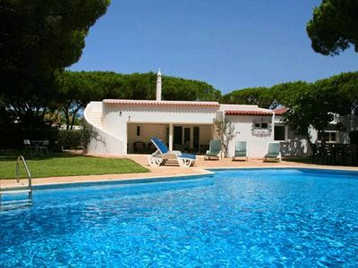 Photo for 4 bedroom Villa, sleeps 9 in Vale do Lobo with Pool, Air Con and WiFi