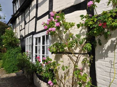 Photo for 2BR Cottage Vacation Rental in Stratford-upon-avon