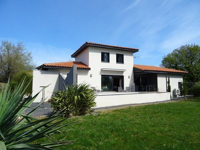 Photo for PYRÉNÉES CATALANES 20MN BEACHES BEAUTIFUL VILLA CLIMATISEE 6 PERS QUIET