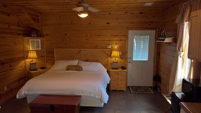 Photo for Cabins at Sugar Mountain, Sugar Suite #2, King Bed, WiFi, Jetted Spa Tub, Private Patio
