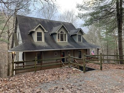 Spacious Mountain Retreat * Pet-Friendly * Year-Round Indoor Pool Access
