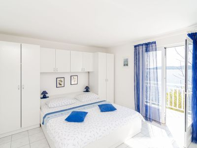 Photo for Blue apartment in Perna, sea view!