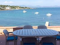 Great location and great direct access to the sea