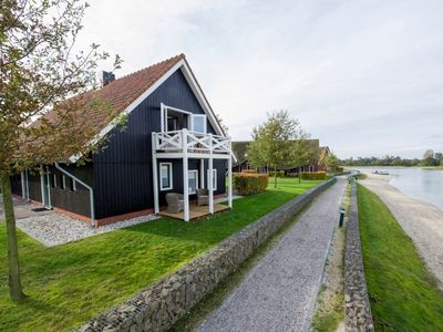 Photo for Extra luxury 2-person Love2stay farmhouse in the holiday park Hof van Saksen - on the water/recreation lake