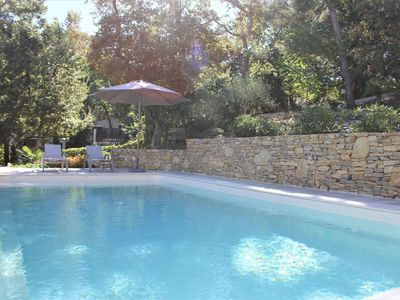 Photo for Modern gîte with pool on large property of owner, 1 km from Provençal village