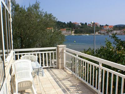 Photo for One bedroom apartment near beach Lumbarda (Korčula)
