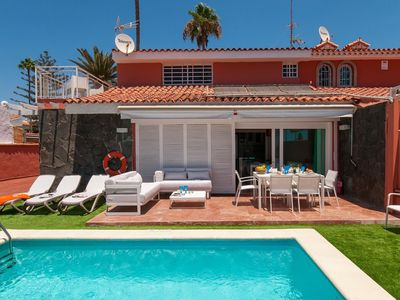 Photo for Wonderful private villa with private pool, A/C, internet, TV, washing machine, pets allowed, parking