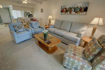Make yourself at home and enjoy all that Sarasota has to offer